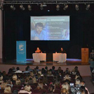 El encuentro. Autoridades, profesionales, padres y estudiantes mostraron su compromiso.