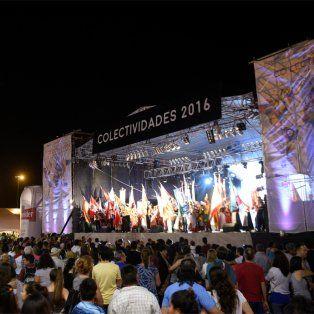 La Fiesta de Colectividades se inició con buena clima en la ciudad.
