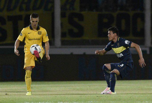 En una pata. El juvenil Giovani Lo Celso salió contracturado ante Boca en Córdoba.