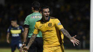 Herrera festeja el segundo gol canalla ante Boca.
