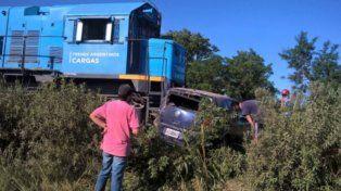 Así quedó el vehículo en el que iba la víctima fatal y sus familiares.