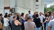 Diálogo colectivo. La intendenta Fein, junto a vecinos de la zona.