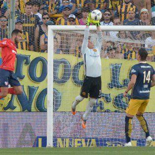 Sosa fue la gran figura canalla en el empate sin goles contra Independiente.