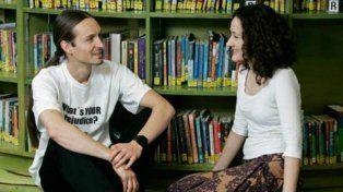 La biblioteca humana que en lugar de libros presta gente con historias para contar