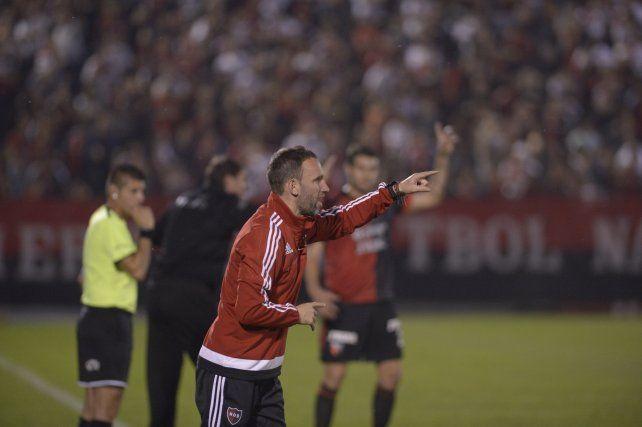 Bernardi no pudo imponer en Newells el legado futbolístico de Martino