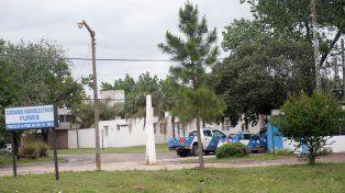 El Comando Radioeléctrico de Funes acudió al lugar del robo.