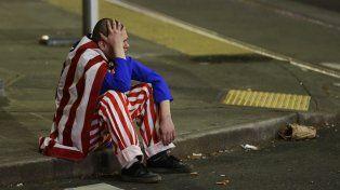 Unn ciudadano estadounidense se lamenta por el triunfo del republicano Donald Trump.