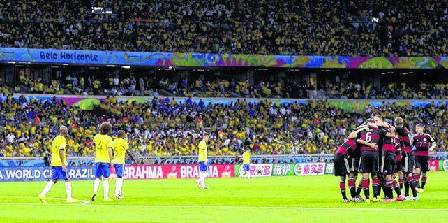 Mundial 2014. Alemania sorprendió goleando a Brasil por 7 a 1 en el Mineirao. Tristeza sin final.