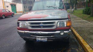 Una camioneta de similares características a esta fue encontrada abandonada en el kilómetro 169 de la Autovía 2.