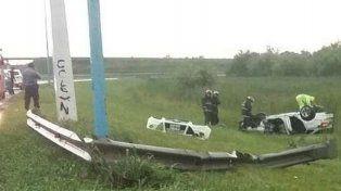 Accidente fatal en la autopista: un rosarino perdió el control de su vehículo y volcó