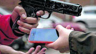 Tiempos violentos. El robo de equipos terminales alienta el mercado negro de teléfonos obtenidos irregularmente.