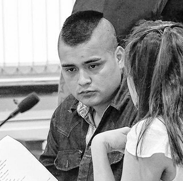 CONDENADO. Jonathan Olivera al iniciarse el juicio oral y público en su contra.