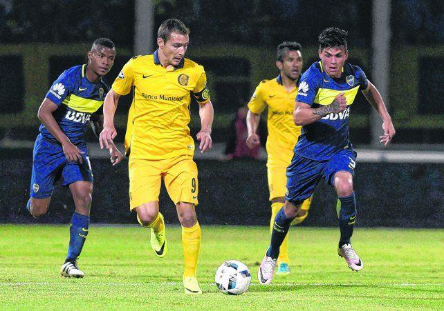 El nueve del proyecto. Marco Ruben en acción contra Boca. El delantero es pieza vital para lograr un título.