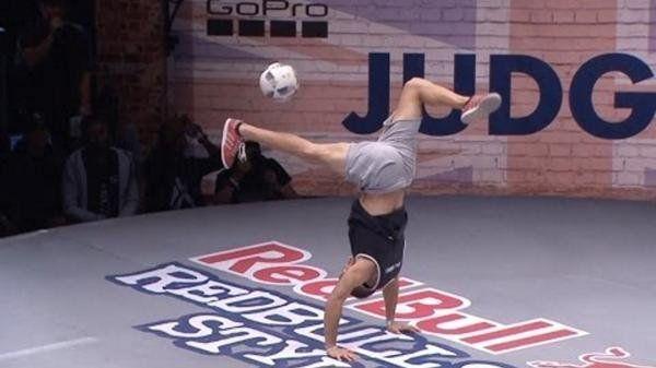 Un argentino se consagró campeón del mundo de freestyle con una exhibición de trucos increíbles