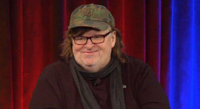 El documentalista Michael Moore quiso hablar con Donald Trump pero el FBI se lo impidió.