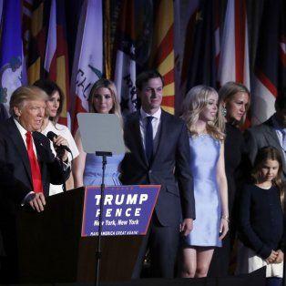 Rumbo al poder. El clan Trump durante uno de los actos de campaña.