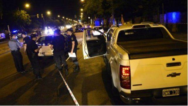 Las balas pegaron contra la camioneta de DAmico.