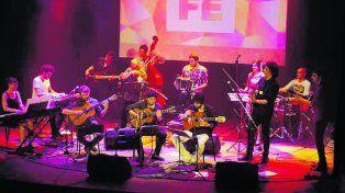 Todos Juntos. San Telmo Lounge encabezó la presentación en Lavardén.