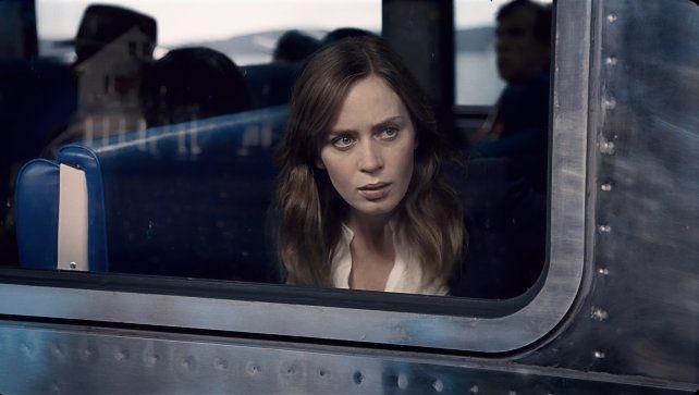 Voyeur en peligro. Emily Blunt interpreta a una mujer que perdió todo y construye una vida a medida de su inestabilidad emocional.