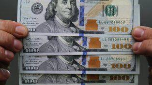 Economistas afirmaron que la incertidumbre en torno a Donald Trump impulsó el valor del billete verde.