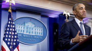 Rictus. Obama dio ayer su primera conferencia de prensa desde la victoria de Trump y luego viajó a Atenas.