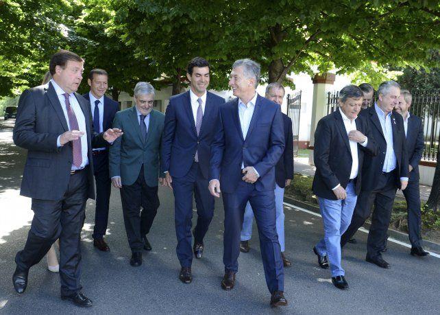 Caminata. Macri recibió un aval necesario para un proyecto demorado.