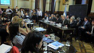 En comisión. El ministro Frigerio destacó que con este presupuesto crece la obra pública en las provincias.