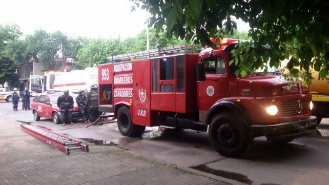 Los bomberos en el lugar del incendio