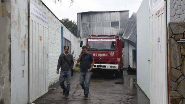 Un incendio destruyó por completo una fábrica de ventiladores en la zona oeste