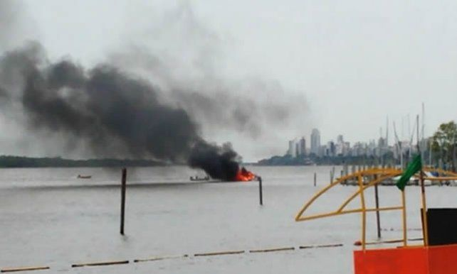 Un hombre debió ser hospitalizado tras la explosión del motor de su barco en Remeros