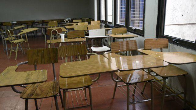 Los docentes universitarios amenazan con una medida de fuerza de 48 horas para el mes que viene.