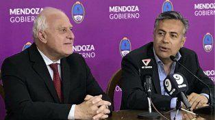 Lifschitz y Cornejo al anunciar el convenio que firmaron ayer.
