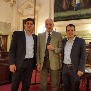Bonfatti, junto a los diputados provinciales Paco Garibaldi y Joaquín Blanco impulsores del proyecto de cannabis medicinal que ayer recibió media sanción en Cámara Baja.