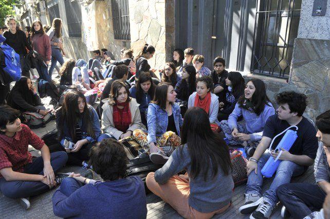 Protesta. Los estudiantes pidieron ayer más seguridad y los docentes no dictaron clases.
