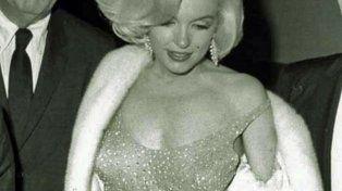 Otra piel. El vestido subastado. Fue diseñado por el francés Jean Louis.