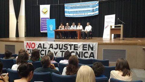 Investigadores de todo el país se reunieron en la ciudad de Córdoba para discutir sobre el futuro de la ciencia.