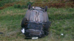 El vehículo volcó a la altura de Oliveros pero el conductor salió ileso.