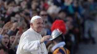 el papa argentino. Adular a otro es usar a una persona para obtener algo.