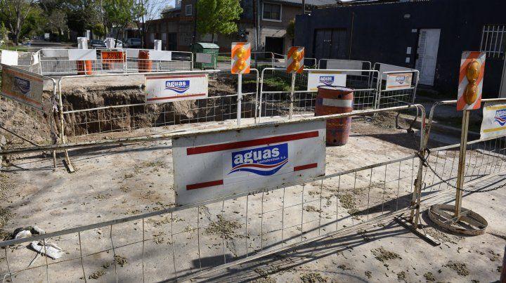 Por tareas de reparación de cañerías hay baja presión de agua en barrio Acindar