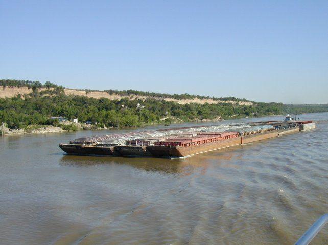 La conformación de la Hidrovía Paraguay-Paraná determina al noreste de la Argentina como una región prioritaria para el desarrollo del transporte y el comercio del Mercosur.