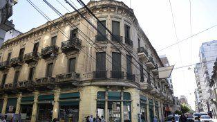 Mansión Campodónico. El edificio de Sarmiento y Mendoza es una de construcciones que se busca restaurar.