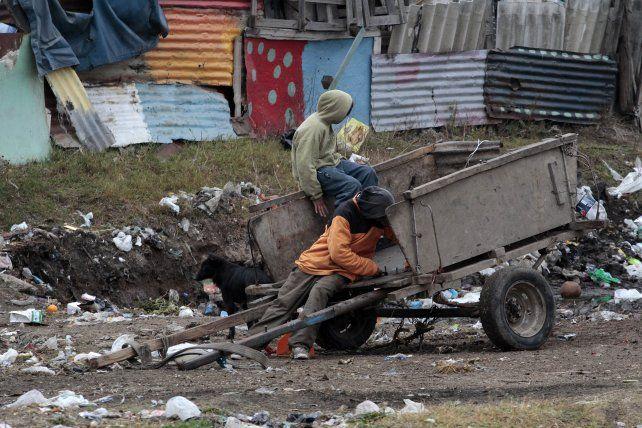 Pobreza. Referentes de distintas organizaciones reclamaron la llegada de una buena vez del plan Argentina Trabaja para paliar la emergencia social en Rosario.