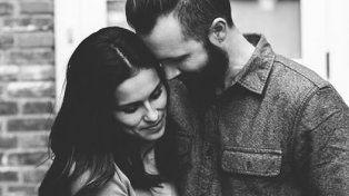 Encontró la receta para seguir enamorado en el matrimonio y el mensaje se volvió viral