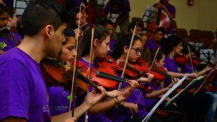 Diploma de honor para la orquesta infanto juvenil de barrio Triángulo