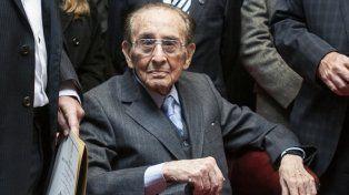 El exmagistado de la Corte Suprema de Justicia Carlos Fayt falleció anoche a los 98 años.