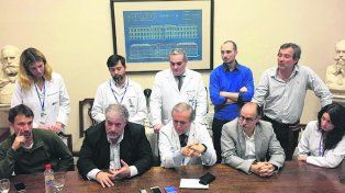 logro. El equipo médico que comandó el ensayo habló ayer con la prensa.