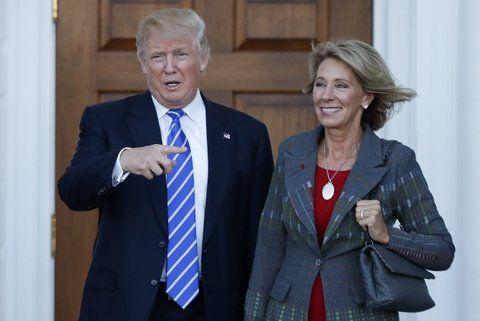 Nombramientos. El mandatario electo decidió que la millonaria Betsy DeVos sea la nueva secretaria de Educación.
