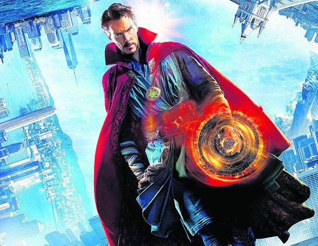 el mundo a sus pies. Benedict Cumberbatch en la piel del nuevo superhéroe de Marvel en la pantalla grande.