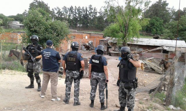 Cocaína, celulares y dinero fueron secuestrados en dos allanamientos en San Lorenzo