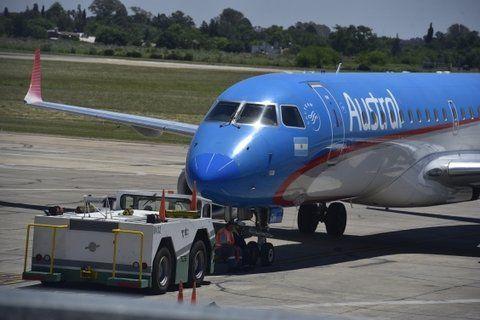 problemas. Los aviones deben ser remolcados para evitar inconvenientes.
